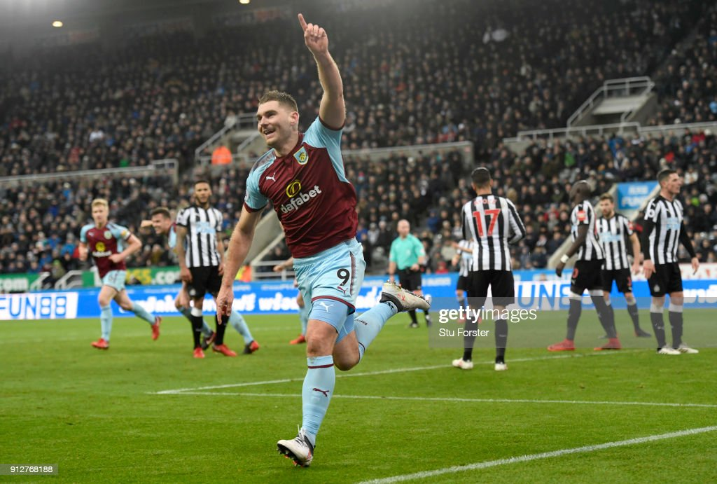 Sam Vokes of Burnley celebrates after scoring his sides first goal during the Premier League match between Newcastle United and Burnley at St. James Park on January 31, 2018 in Newcastle upon Tyne, England.