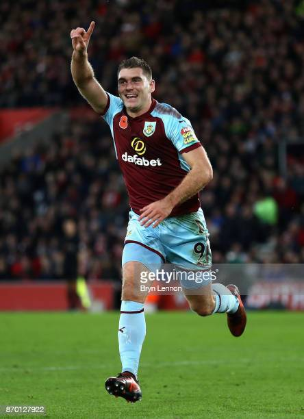 Sam Vokes of Burnley celebrates scoring his side's first goal during the Premier League match between Southampton and Burnley at St Mary's Stadium on...