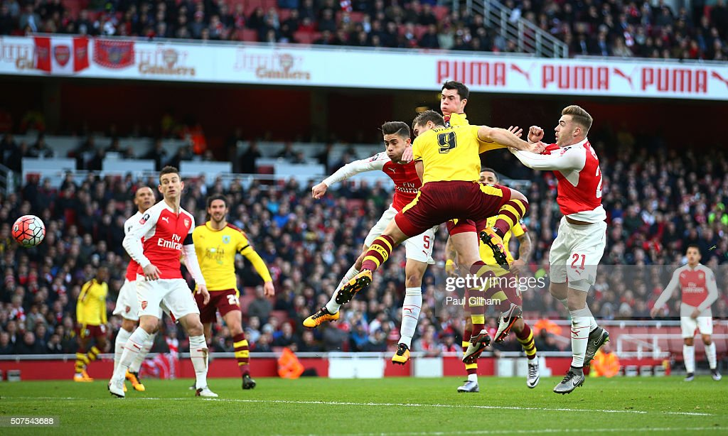 Sam Vokes of Burnley heads the ball to score his team's first goal during the Emirates FA Cup Fourth Round match between Arsenal and Burnley at Emirates Stadium on January 30, 2016 in London, England.