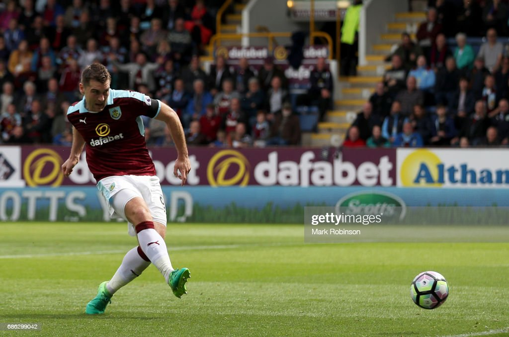 Sam Vokes of Burnley scores his sides first goal during the Premier League match between Burnley and West Ham United at Turf Moor on May 21, 2017 in Burnley, England.