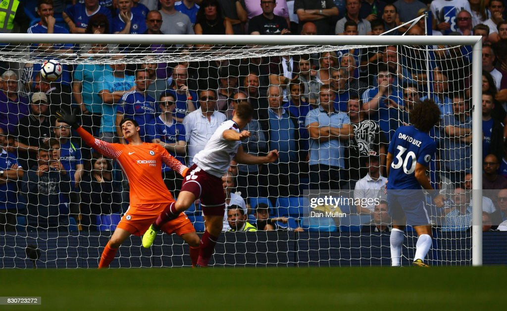 Sam Vokes of Burnley scores his sides third goal during the Premier League match between Chelsea and Burnley at Stamford Bridge on August 12, 2017 in London, England.