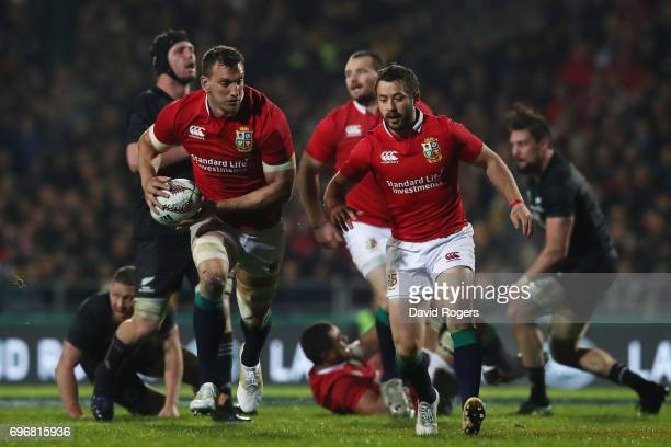 Sam Warburton of the Lions charges upfield during the 2017 British Irish Lions tour match between the Maori All Blacks and the British Irish Lions at...