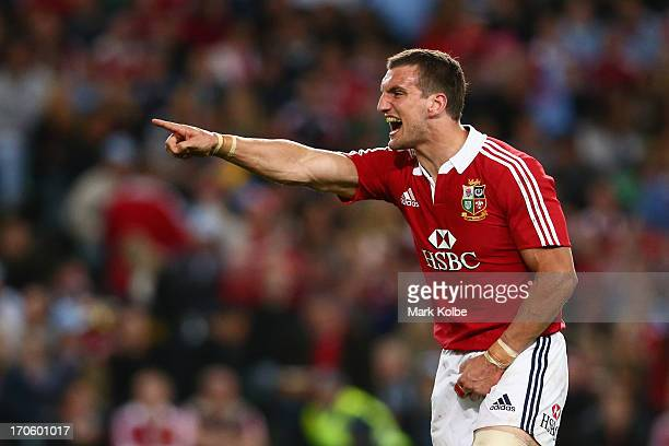 Sam Warburton of the Lions points to his player in defence during the match between the NSW Waratahs and the British Irish Lions at Allianz Stadium...