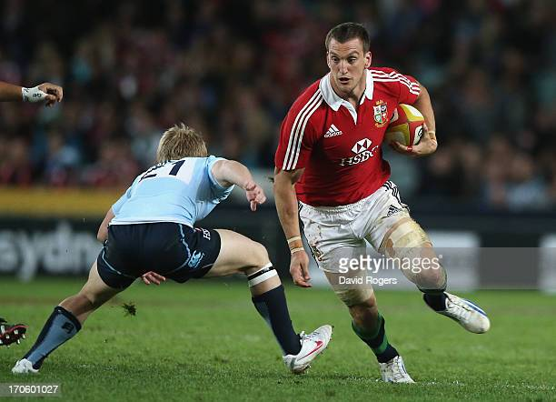 Sam Warburton the Lions captain charges upfield during the match between the NSW Waratahs and the British Irish Lions at Allianz Stadium on June 15...
