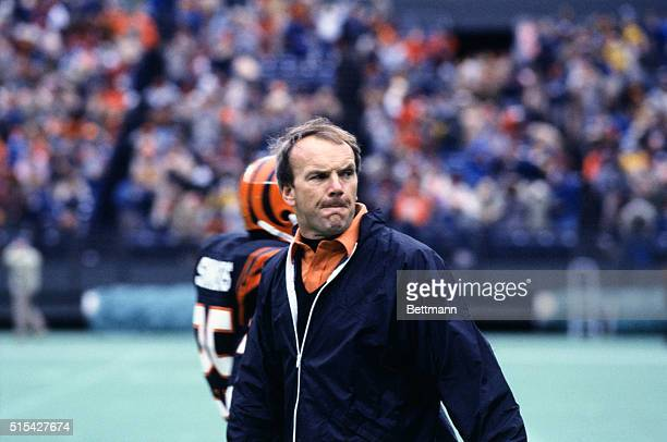 Sam Wyche coach for the Cincinnati Bengals watches game from the sidelines