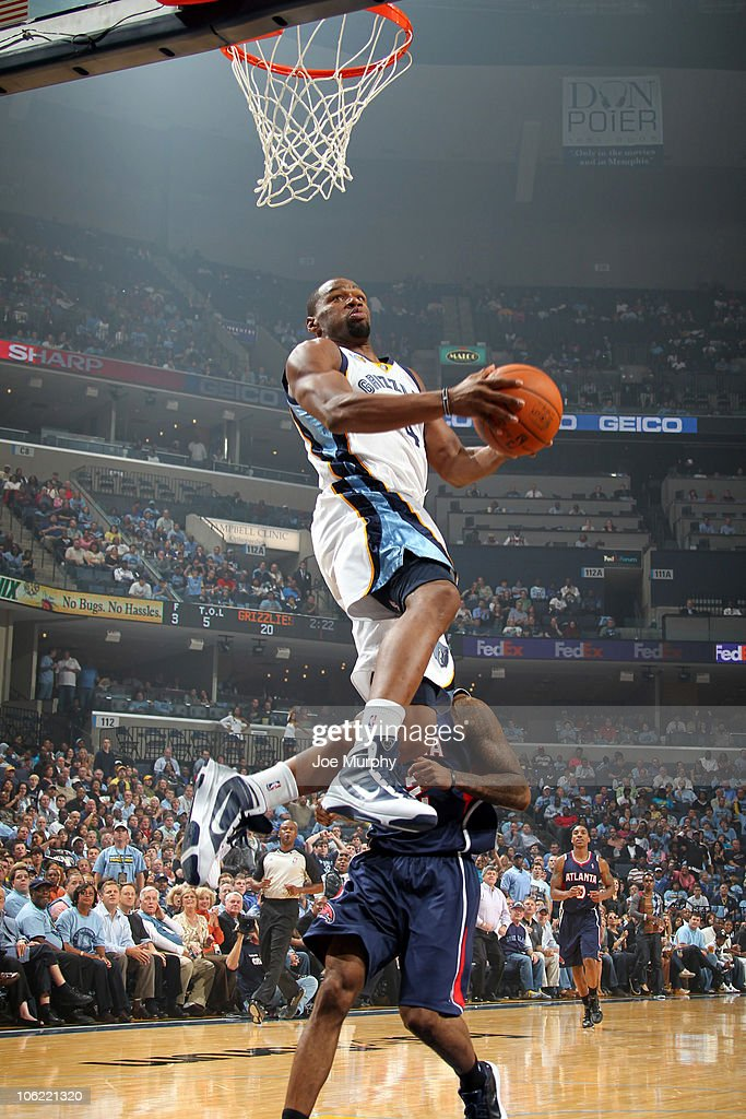 Sam Young #4 of the Memphis Grizzlies dunks in a game against the Atlanta Hawks on October 27, 2010 at the FedExForum in Memphis, Tennessee.
