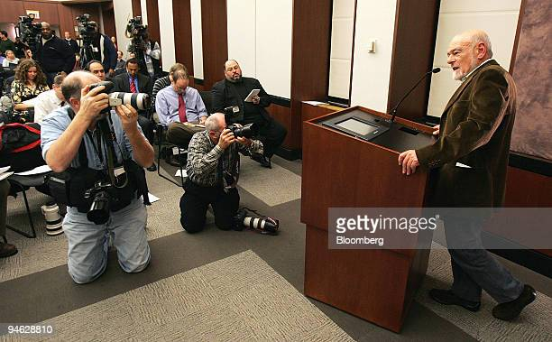 Sam Zell chairman and president of Equity Group Investors speaks during a news conference in Chicago Illinois US onThursday Dec 20 2007 Tribune Co...