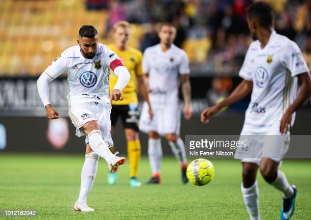 Saman Ghoddos of Ostersunds FK shoots during the Allsvenskan match between IF Elfsborg and Ostersunds FK at Boras Arena on August 6 2018 in Boras...
