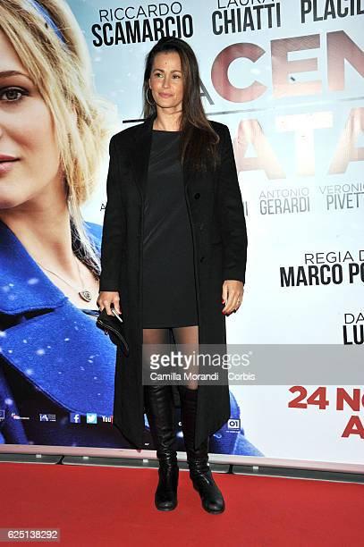Samantha De Grenet walks a red carpet for 'La Cena Di Natale' on November 22 2016 in Rome Italy