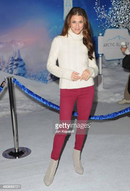 Samantha Harris arrives at the Los Angeles Premiere 'Frozen' at the El Capitan Theatre on November 19 2013 in Hollywood California