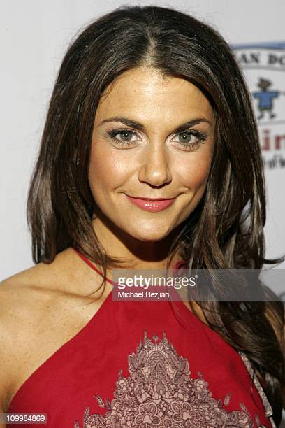 Samantha Harris during Harmony with No Limits Premiere Gala Presented by Washington Mutual - April 21 2006 at Skirball Cultural Center in Los...