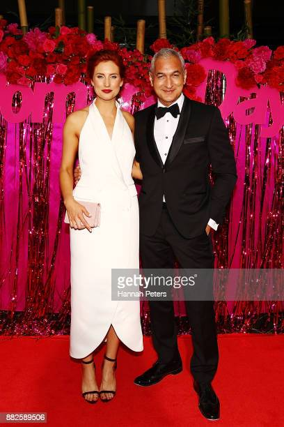 Samantha Hayes and Mike McRoberts arrive ahead of the NZ TV Awards at Sky City on November 30 2017 in Auckland New Zealand
