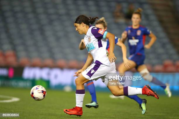 Samantha Kerr of Perth Glory contests the ball with Cassidy Davis of the Jets during the round eight WLeague match between the Newcastle Jets and the...