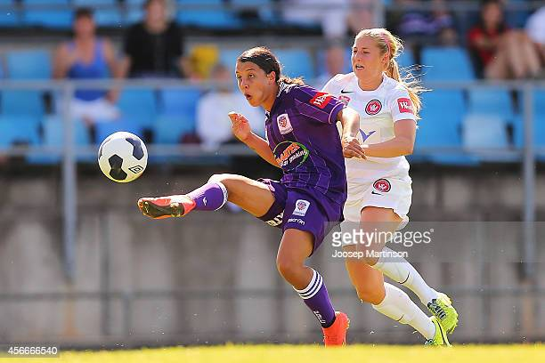 Samantha Kerr of the Glory has a shot on goal during the round four WLeague match between Western Sydney and Perth Glory at Marconi Stadium on...