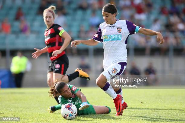 Samantha Kerr of the Glory scores a goal during the round six WLeague match between the Western Sydney Wanderers and the Perth Glory at Marconi...