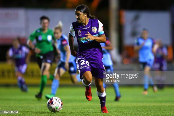 Samantha Kerr of the Perth Glory controls the ball during the round 11 WLeague match between the Perth Glory and Sydney FC at Dorrien Gardens on...