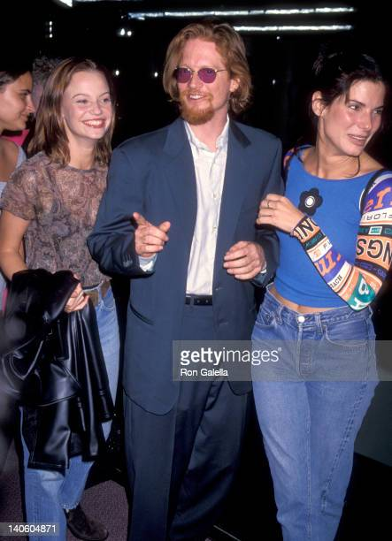 Samantha Mathis, Eric Stoltz, and Sandra Bullock at the Premiere of 'Sleep with Me', Pacific Design Center, West Hollywood.