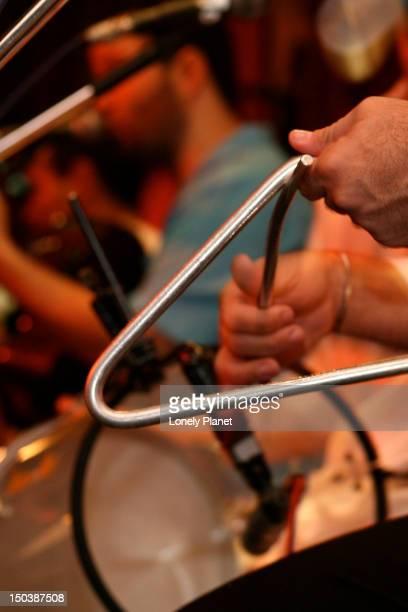 samba band playing in club at lapa. - moderne rockmusik stock-fotos und bilder