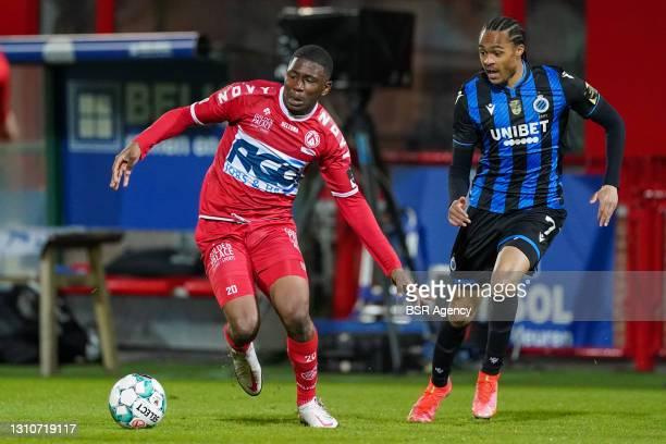 Sambou Sissoko of KV Kortrijk and Tahith Chong of Club Brugge during the Jupiler Pro League match between KV Kortrijk and Club Brugge at Guldensporen...