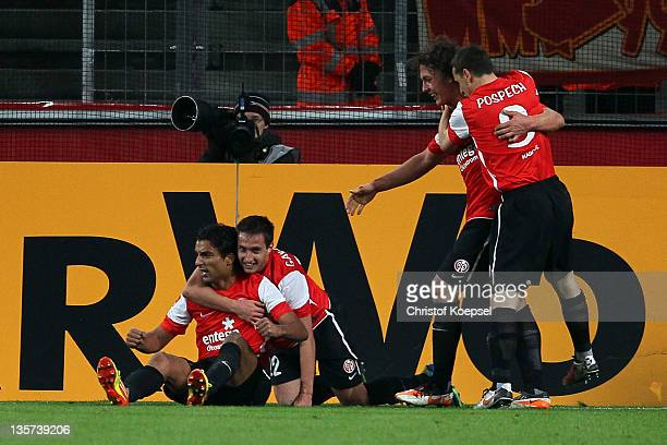 Sami Allagui celebrates the first goal with Mario Gavranovic Julian Baumgartlinger and Zdenek Pospech of Mainz during the Bundesliga match between 1...