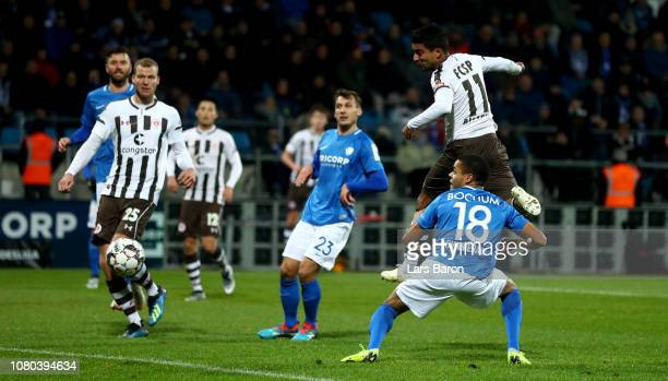 Sami Allagui of Pauli scores his teams first goal during the Second Bundesliga match between VfL Bochum 1848 and FC St. Pauli at Vonovia Ruhrstadion...