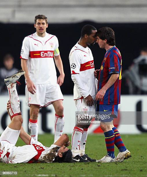Sami Khedira Cacau of Stuttgart and Lionel Messi of Barcelona discuss with each other during the UEFA Champions League round of sixteen first leg...