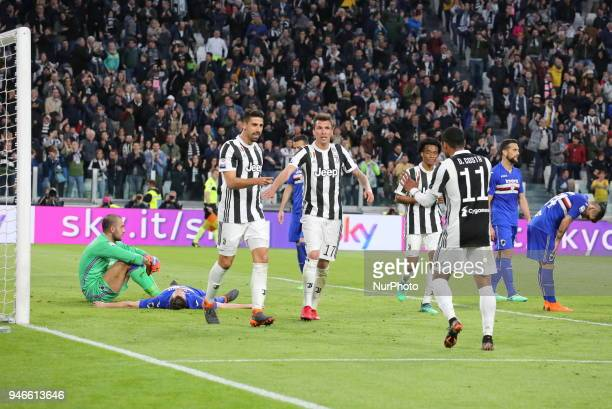 Sami Khedira celebrates after scoring with teammates during the Serie A football match between Juventus FC and US Sampdoria at Allianz Stadium on 15...