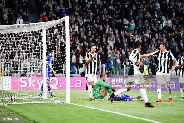 Sami Khedira of Juventus celebrates 30 goal during the serie A match between Juventus and UC Sampdoria at Allianz Stadium on April 15 2018 in Turin...