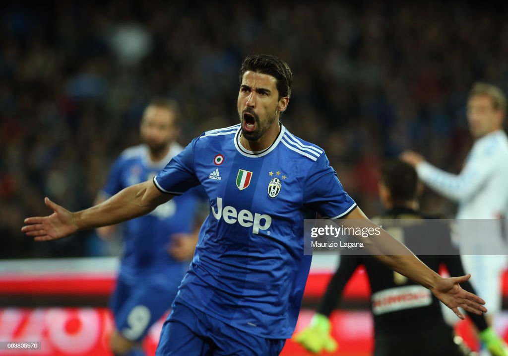 Sami Khedira of Juventus celebrates the opening goal during the Serie A match between SSC Napoli and Juventus FC at Stadio San Paolo on April 2, 2017 in Naples, Italy.