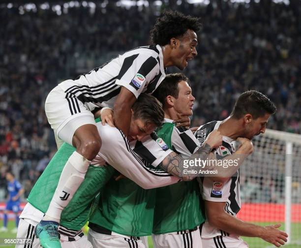 Sami Khedira of Juventus FC celebrates his goal with his teammates during the serie A match between Juventus and Bologna FC at Allianz Stadium on May...