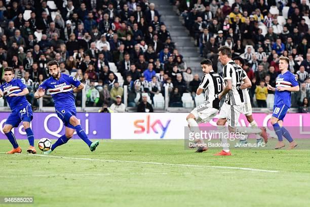 Sami Khedira of Juventus scores the goal of 30 during the serie A match between Juventus and UC Sampdoria at Allianz Stadium on April 15 2018 in...