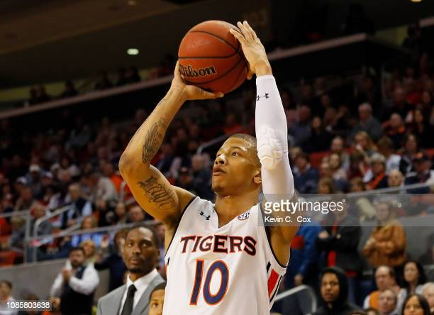 Samir Doughty of the Auburn Tigers shoots a threepoint basket against the Murray State Racers at Auburn Arena on December 22 2018 in Auburn Alabama