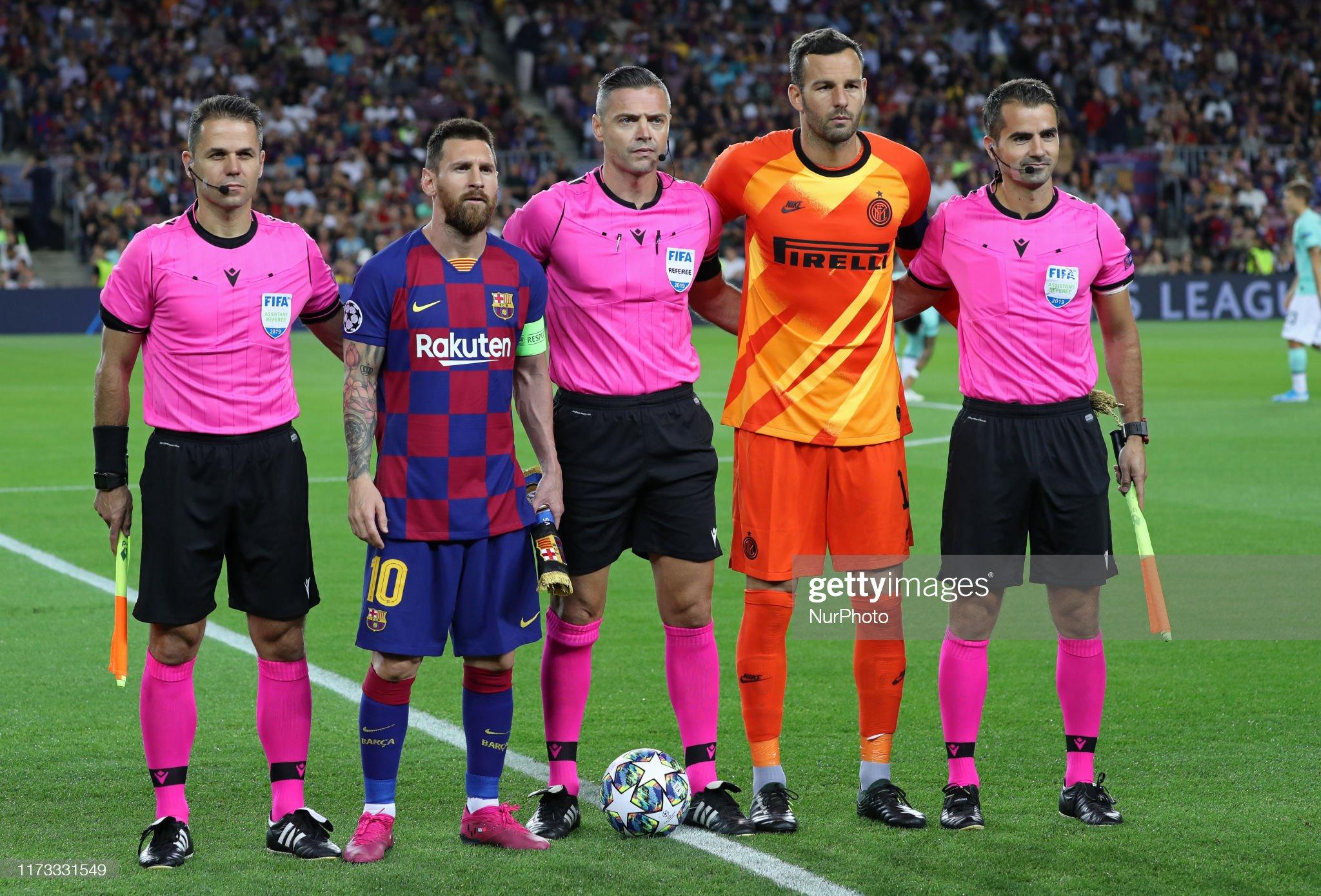 صور مباراة : برشلونة - إنتر 2-1 ( 02-10-2019 )  Samir-handanovic-and-leo-messi-during-the-match-between-fc-barcelona-picture-id1173331549?s=2048x2048