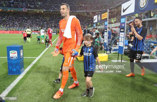 Samir Handanovic of FC Internazionale and sons before the serie A match between FC Internazionale and US Sassuolo at Stadio Giuseppe Meazza on May 12...