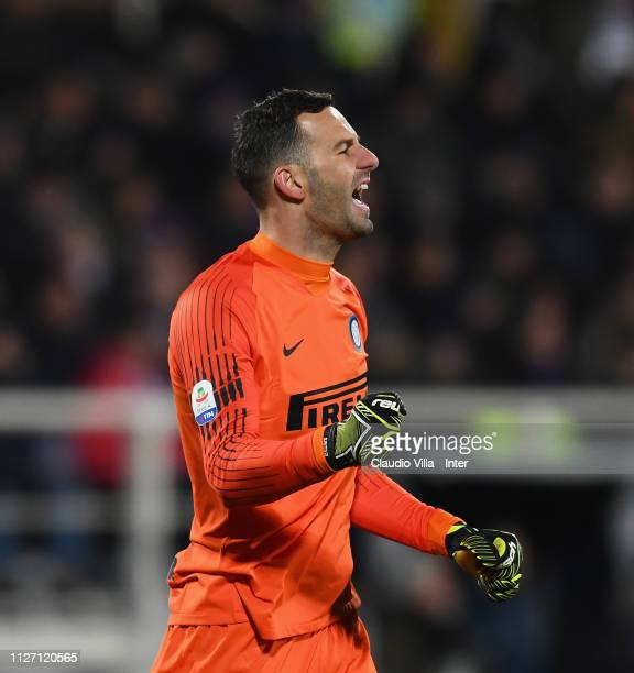 Samir Handanovic of FC Internazionale celebrates during the Serie A match between ACF Fiorentina and FC Internazionale at Stadio Artemio Franchi on...