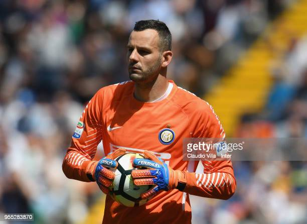 Samir Handanovic of FC Internazionale looks on during the serie A match between Udinese Calcio and FC Internazionale at Stadio Friuli on May 6 2018...