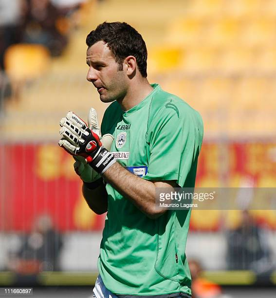 Samir Handanovic of Udinese during the Serie A match between US Lecce and Udinese Calcio at Stadio Via del Mare on April 3 2011 in Lecce Italy