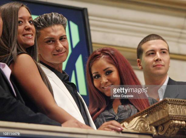"Sammi Giancola, Paul ""Pauly D"" DelVecchio, Nicole ""Snooki"" Polizzi, and Vinny Guadagnino ring the opening bell at the New York Stock Exchange on July..."
