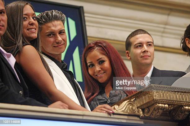"""Sammi Giancola, Paul """"Pauly D"""" DelVecchio, Nicole """"Snooki"""" Polizzi, and Vinny Guadagnino ring the opening bell at the New York Stock Exchange on July..."""