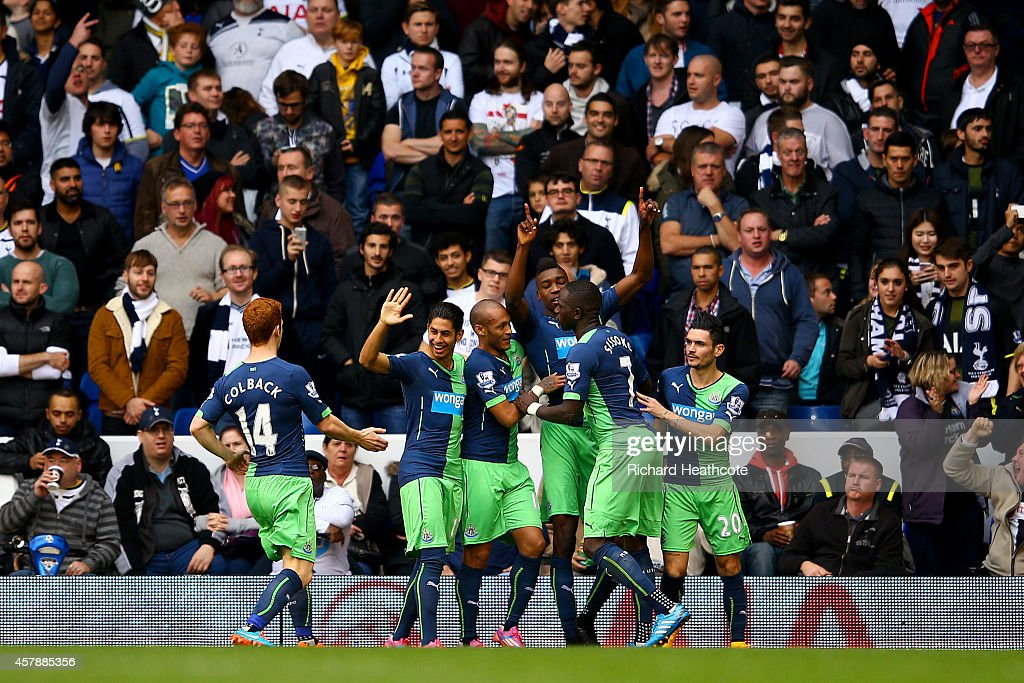 Tottenham Hotspur v Newcastle United - Premier League : News Photo