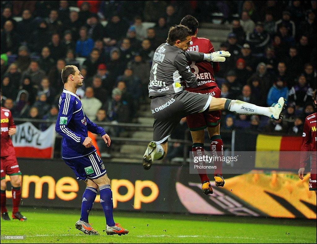 Sammy Bossut (SV Zulte Waregem) in action during the Jupiler League match between RSC Anderlecht and SV Zulte Waregem on February 27, 2013 in Anderlecht, Belgium.