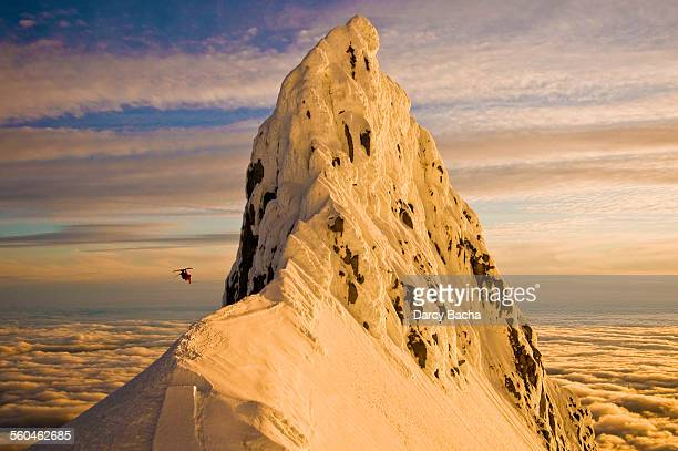 sammy carlson mt hood - mt hood stock pictures, royalty-free photos & images