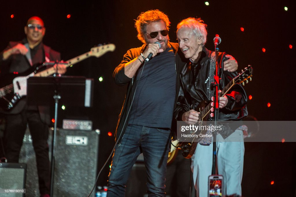 "America Salutes You Presents ""Guitar Legends II"" : News Photo"