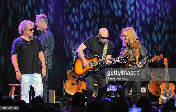 Sammy Hagar James Hetfield Joe Satriani and Melissa Etheridge perform at the 3rd Annual Acoustic4ACure concert a Benefit for the Pediatric Cancer...