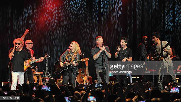 Sammy Hagar Joe Satriani Melissa Etheridge James Hetfield Pat Monahan Vic Johnson and John Mayer perform at the 3rd Annual Acoustic4ACure concert a...