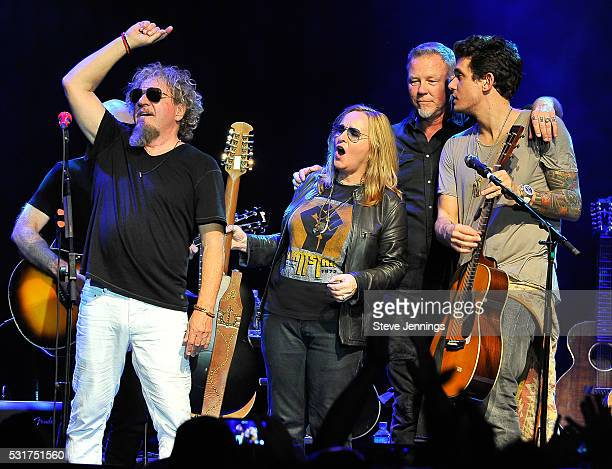Sammy Hagar Melissa Etheridge James Hetfield and John Mayer perform at the 3rd Annual Acoustic4ACure concert a Benefit for the Pediatric Cancer...