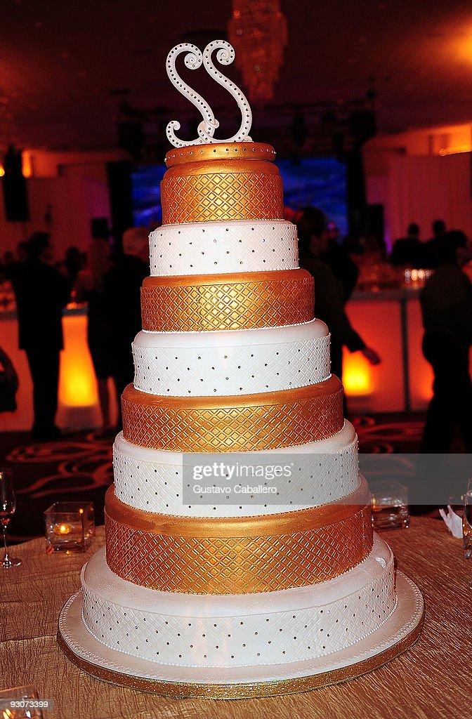 Cool Sammy Sosas Birthday Cake At Fontainebleau Miami Beach On Funny Birthday Cards Online Alyptdamsfinfo