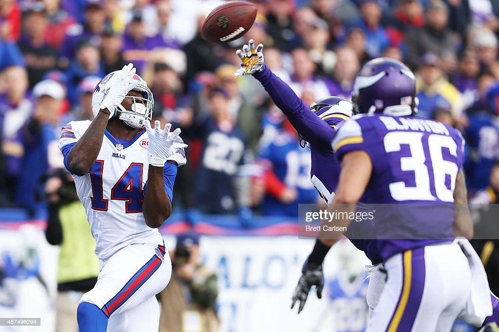 Sammy Watkins #14 of the Buffalo Bills makes a touchdown catch against the Minnesota Vikings during the first half at Ralph Wilson Stadium on October 19, 2014 in Orchard Park, New York.