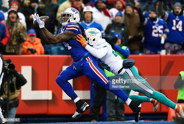 Sammy Watkins of the Buffalo Bills makes a touchdown reception against the Miami Dolphins during the first half at New Era Stadium on December 24...