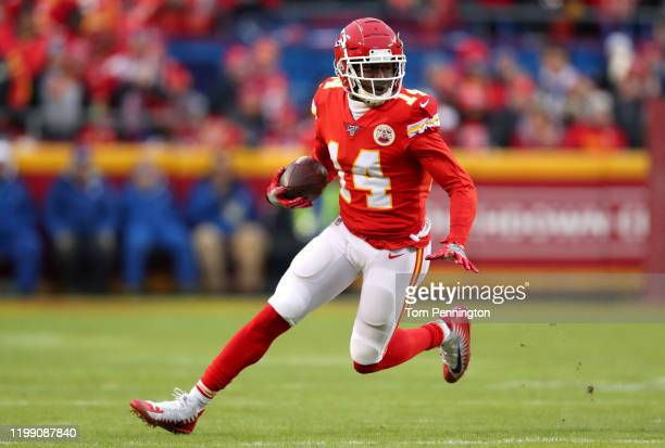 Sammy Watkins of the Kansas City Chiefs carries the ball against the Houston Texans during the third quarter in the AFC Divisional playoff game at...